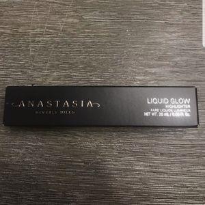 Anastasia Beverly Hills Liquid Highlighter perla